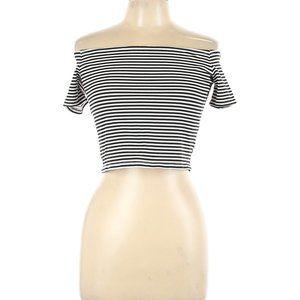 H&M Short Sleeve Off the shoulder Shirt
